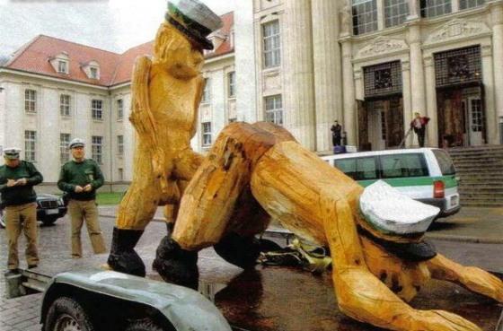 Holzpolizisten