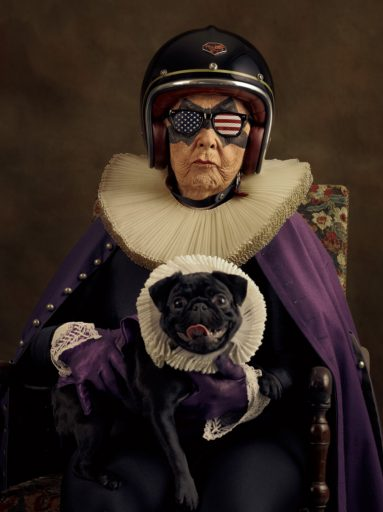 web_dark_mamika_serie_super-flamands_photographie_csacha_goldberger_courtesy_school_gallery
