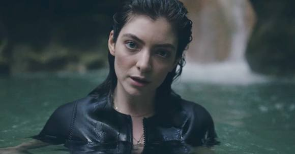 lorde-perfect-places-video-31216b4a-3051-43c8-b772-ff4d6bfa0ef2