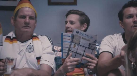 klaas-heufer-umlauf-late-night-berlin-fussball-screenshot-992x554