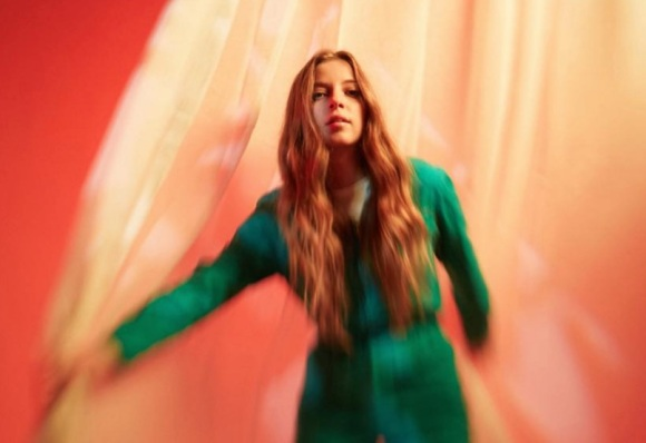 jade-bird-debut-album-glassnote
